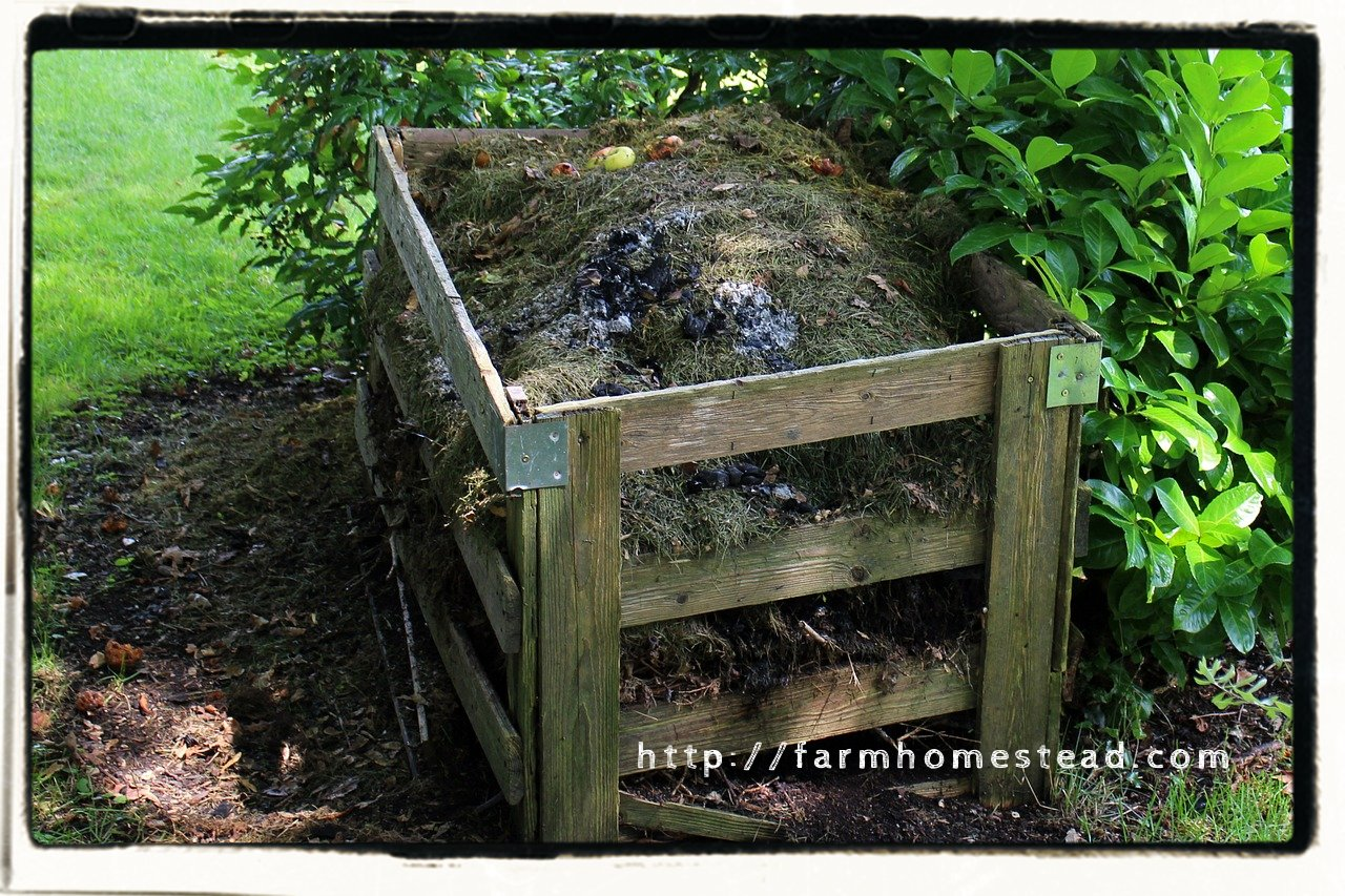 compost bin made of 1x6 wood