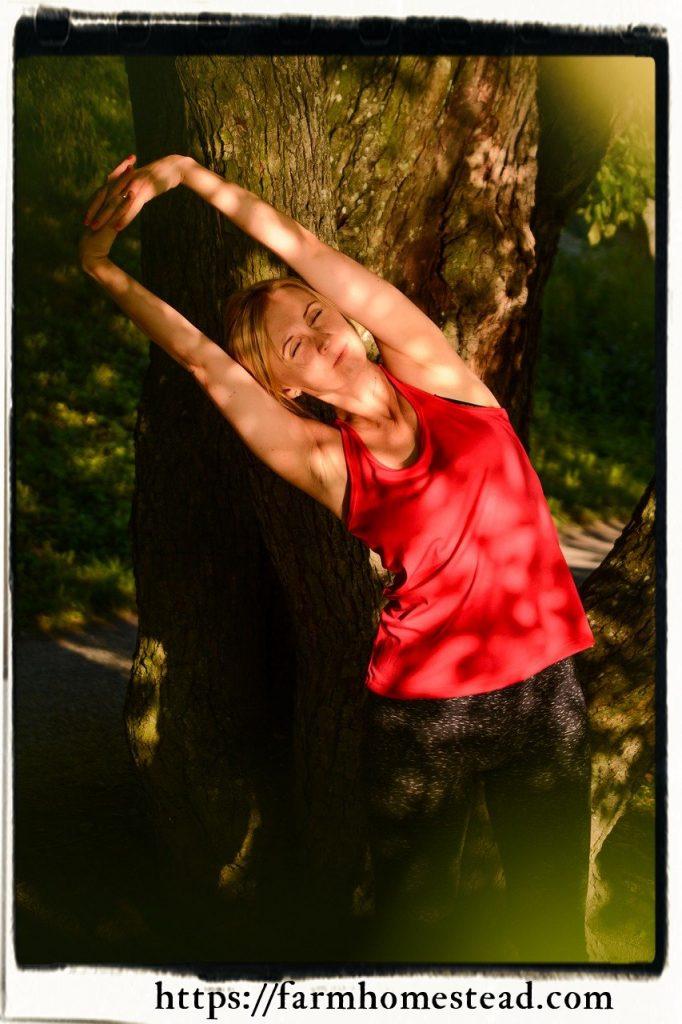 side reach back strengthening exercise